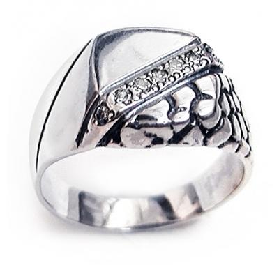 BLAZON Snakeskin Signet Ring