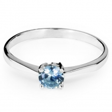 AQUAMARINE ARDEN Sterling Silver Solitaire Ring with Aquamarine