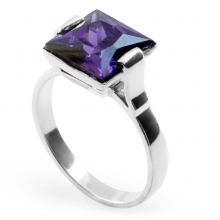 VIOLET VELVET Cocktail Ring
