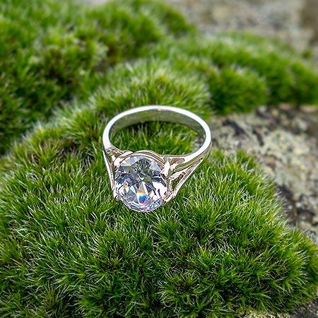 WHITE ALVA Ring