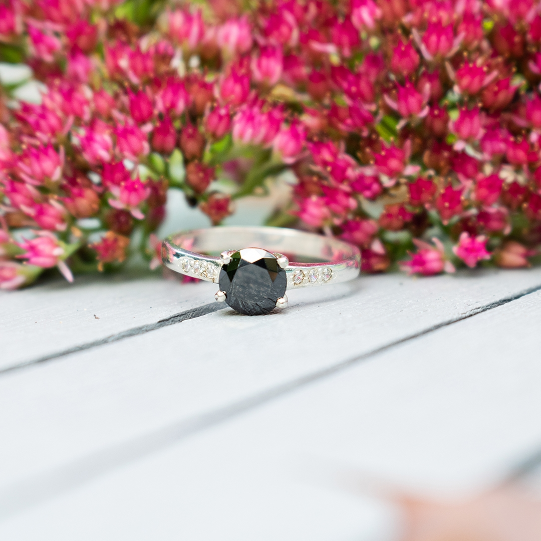 BLACK GEORGETTE Silver Ring