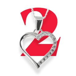 2. YUMI Silver Heart Necklace